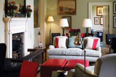 Kennels sitting room